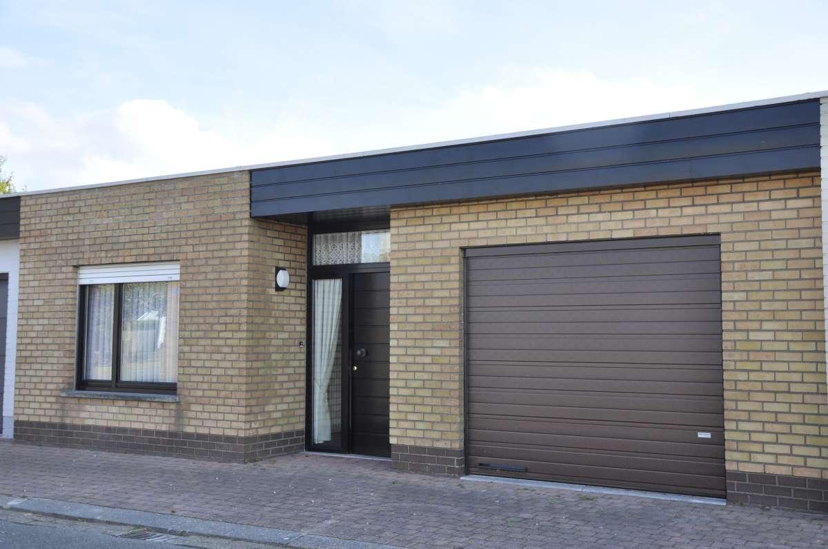 Garage Met Veranda : Stevige houten schuur of garage voor elk budget goedkopecarports